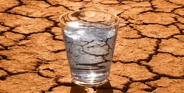 hidratarea-corpului-apa-de-baut-detoxifiere-sanatate